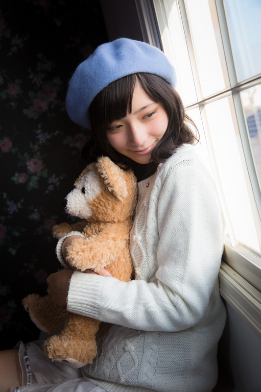 MizukiAragaki-3.jpg